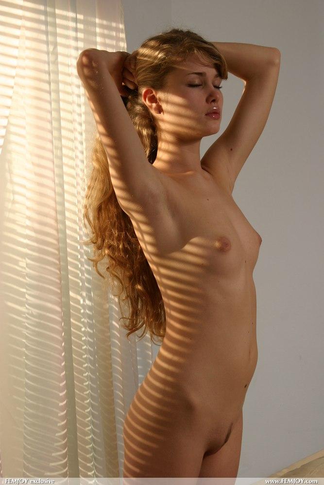Sarah lancaster blonde nude properties turns